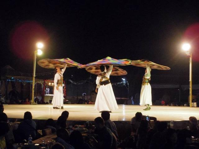 砂漠ディナー&ベリーダンスショー(英語)