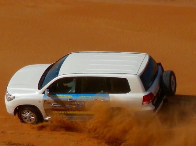 4WDドライブ+砂漠ディナー!!デザート・サファリツアー(英語)