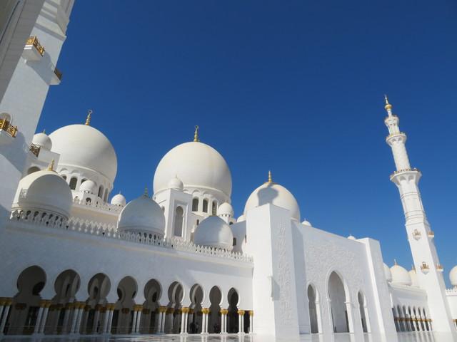 アラブ首長国連邦の首都を訪れる!!アブダビ1日観光(日本語)